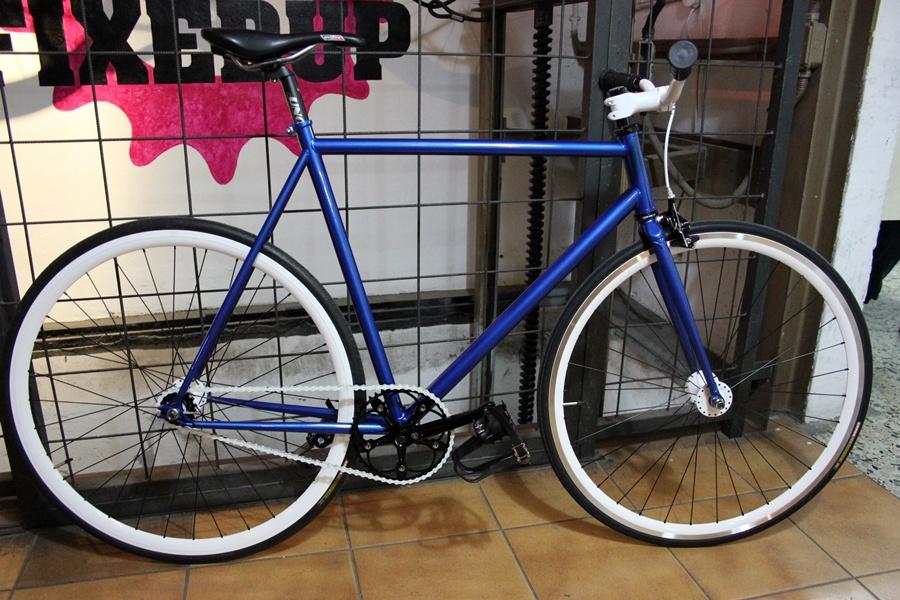 Bicis salidas de la casa my beautiful parking - La bici azul ...